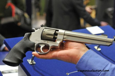 Smith & Wesson 929 Performance Center Jerry Miculek Signature Model - револьвер с удлиненным стволом