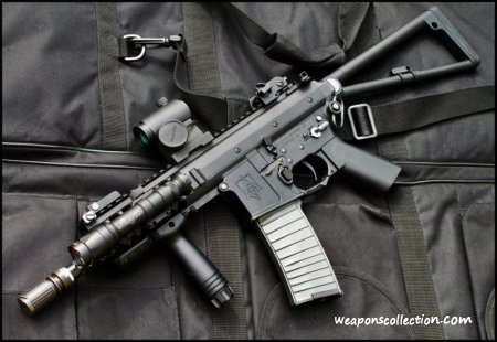 ������ � ���������� ���������� - ������������� ������ ����������� Knight�s Armament Co. PDW